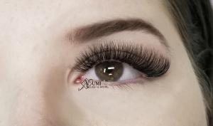 Numi Eyelash extensions